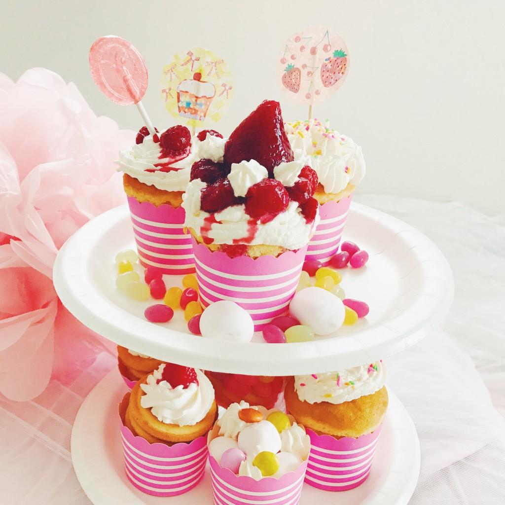 カップケーキでガーランドを飾り付けて