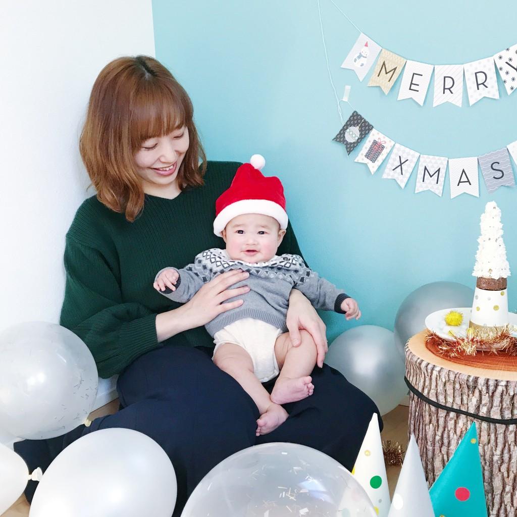 ママと赤ちゃんとクリスマスガーランド